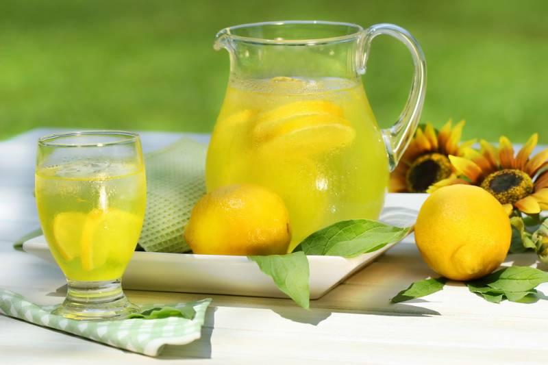 Картинки по запросу О пользе воды с лимоном и медом много сказано - это еще и для похудения!