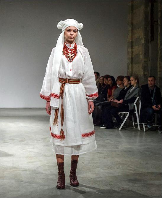 Український народний костюм вперше на подіумі Українського тижня ... b6995048964cd