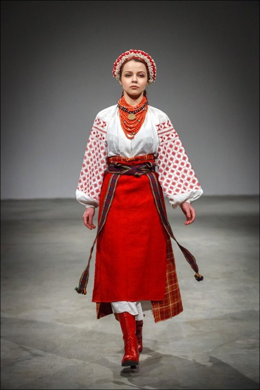 Дівоче святкове вбрання. Регіон – Лівобережне Полісся (Чернігівська  область 9f6a6432239ee