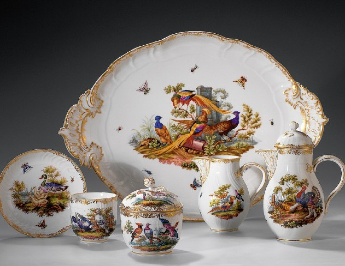 Pleasure for our eyes: antiquarian china...