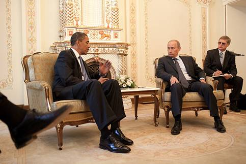 Barack Obama & Vladimir Putin at Putin's dacha 2009-07-07 (Photo credit: Wikipedia)